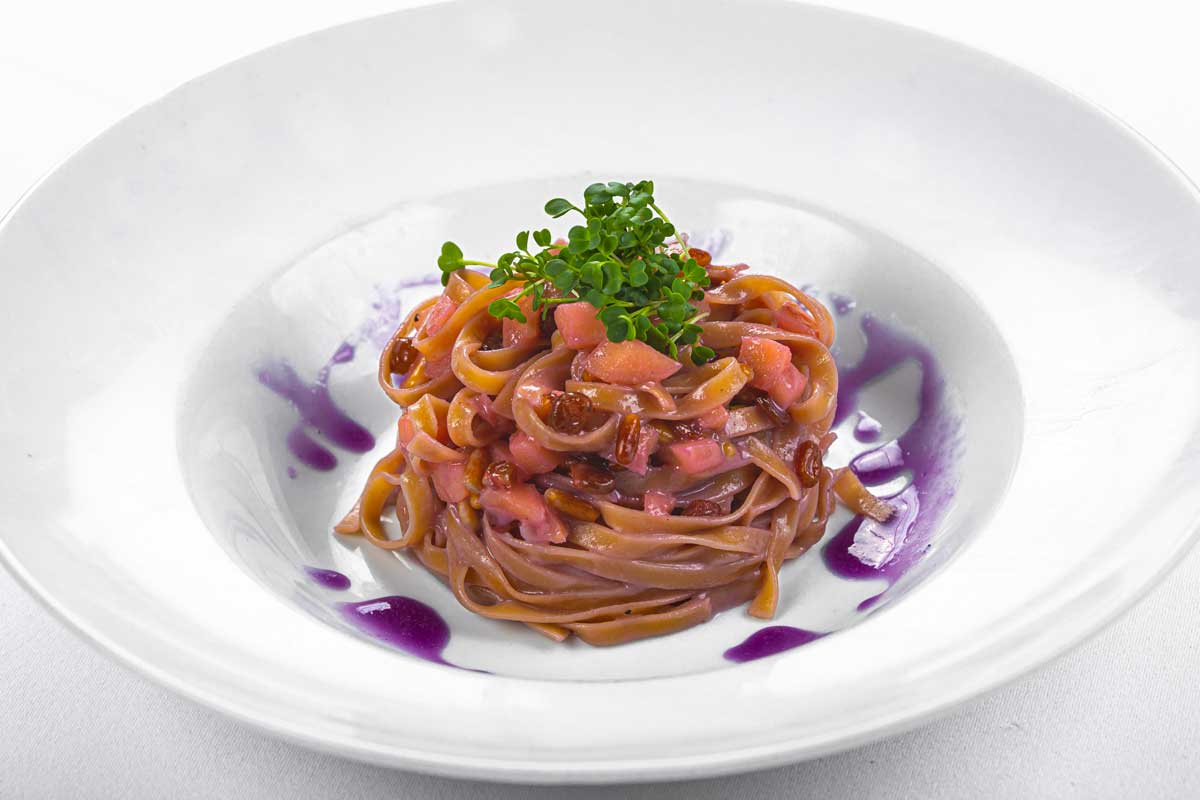 * Tagliatelle in beetroot cream on goat cheese fondue